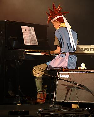 /Chibi JapanExpo 2010 - Concert Anime and Game show by DoReMi Game Cie